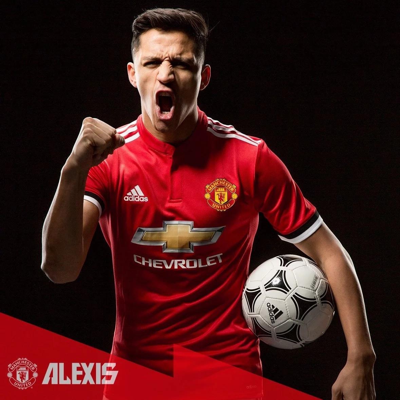 Manchester United Officially Unveil Alexis Sanchez