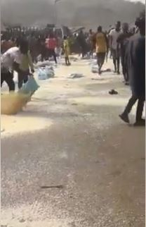 Angry Youths Destroy Bags Of APC Campaign Rice In Ekiti (Photos+Video)