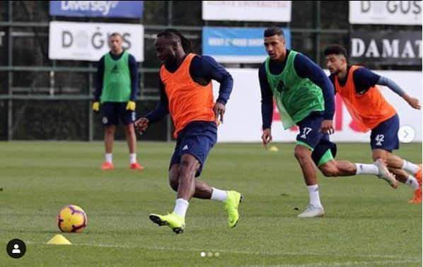 Victor Moses Caught On Camera At His First Training Session With His Fenerbahce Teammates (Photos)