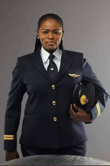 Wow! Meet Adeola Sowemimo, The First Nigerian Female Pilot With Qatar Airways (Photo)