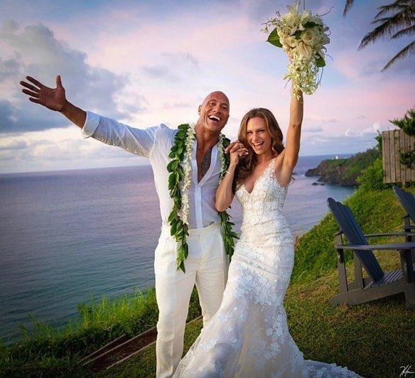 """Dwayne """"The Rock"""" Johnson & Longtime Girlfriend Lauren Hashian are Married!"""