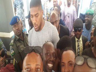 Wild Jubilation As Anthony Joshua Storms Sagamu, Ogun State (Photo)