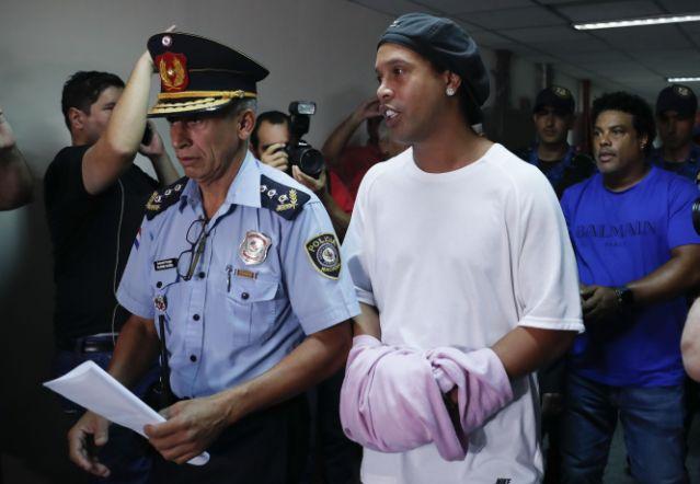 Ronaldinho Court In Handcuffs