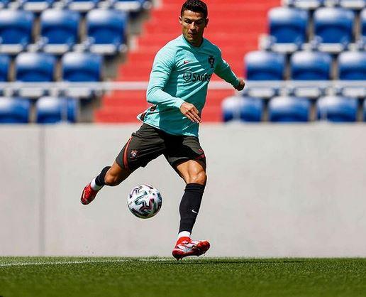 Cristiano Ronaldo Defrauded Of £250k By Female Travel Agent